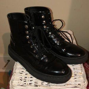 black moto boots